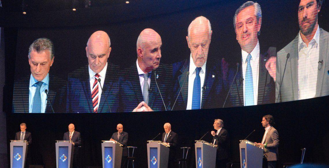 Los seis candidatos presidenciales protagonizaron un debate marcado por los cruces entre los expositores.