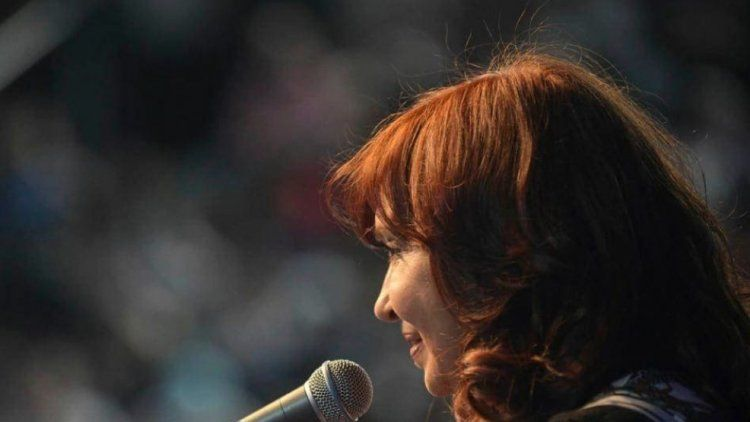 Cristina Kirchner desde El Calafate: La gente no quiere planes sino trabajo