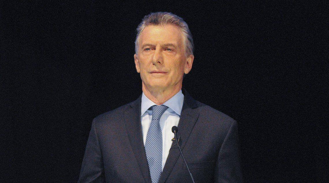Macri podría irse con un déficit fiscal casi igual a la base monetaria.