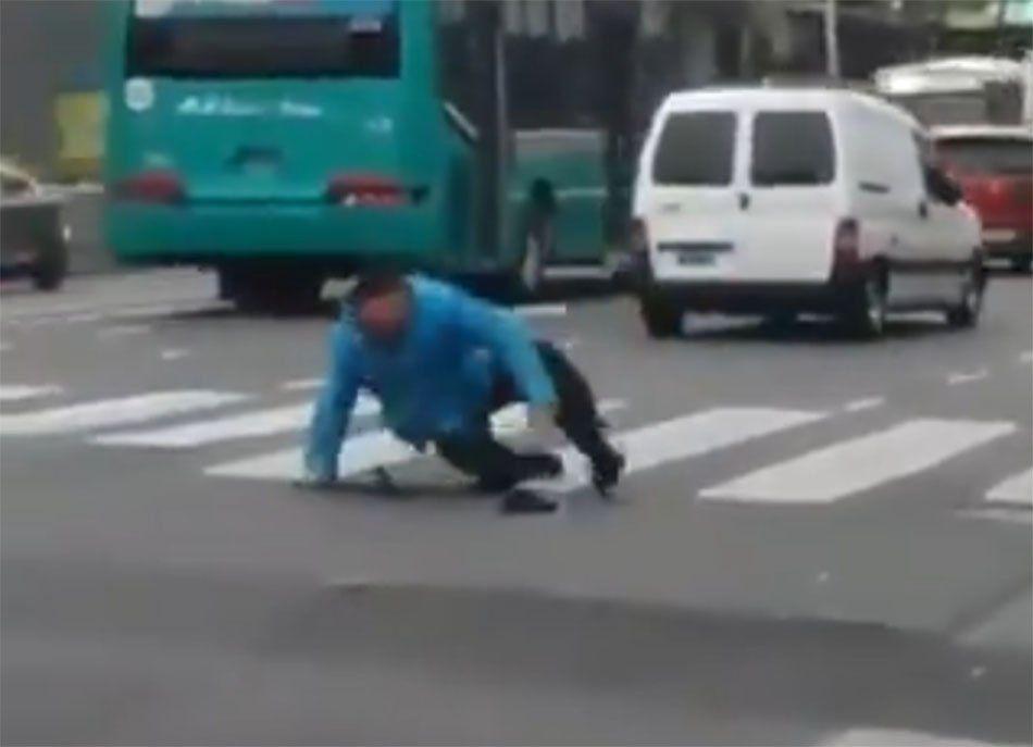 Atropellaron a un policía en Flores