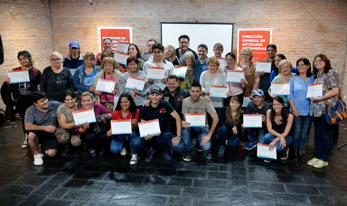 Las entidades recibieron el certificado por la participación en los talleres.