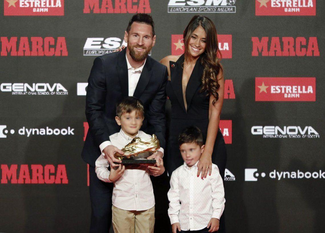 Messi y su familia en la entrega del balón de oro