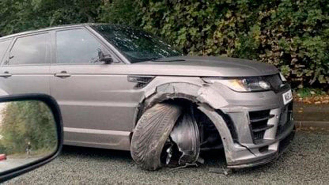 Sergio Agüero sufrió un accidente automovilístico y así quedó su camioneta