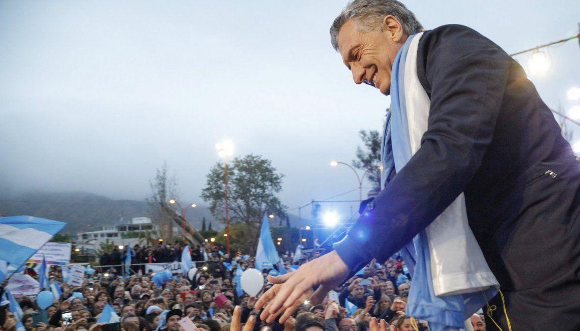 El raid mediático del Presidente se extendió a las ciudades cordobesas: aquí