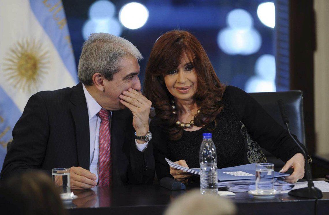 Aníbal Fernández reprodujo un audio de Cristina Kirchner en medio del juicio oral por Oil Combustibles: Hoy no podemos hacer choripán porque hay mucha lluvia