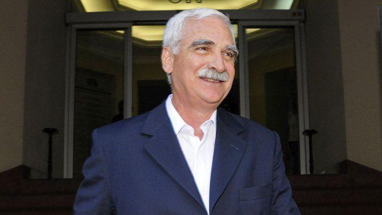 Condenan a cuatro años de cárcel al ex titular de la UIA Juan Carlos Lascurain