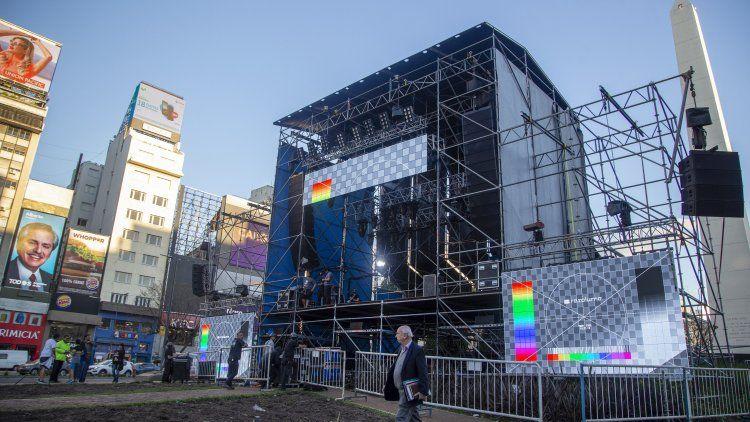 Ya montaron el escenario a metros del Obelisco para la Marcha del Millón que liderará Macri