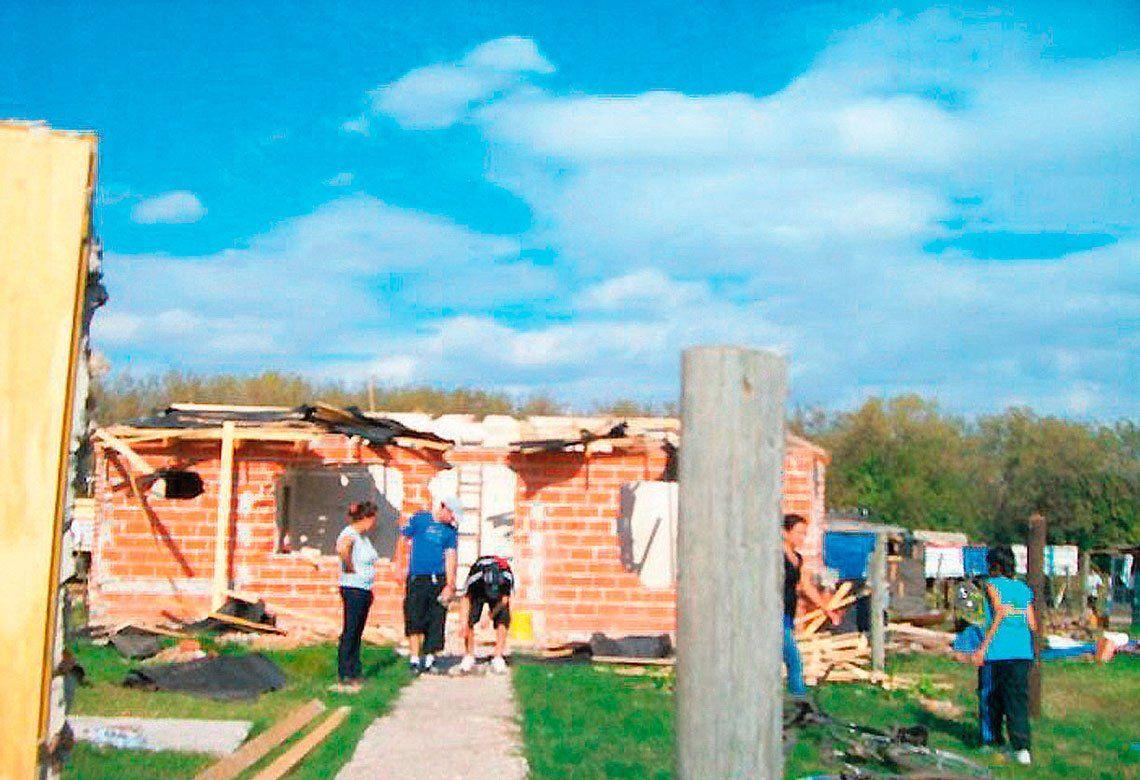 Ocho de cada diez jóvenes viven en los asentamientos