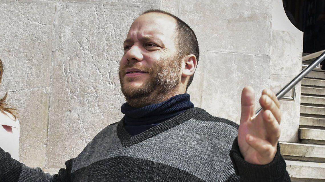 Quién era Lucas Carrasco, el periodista condenado por violación que apareció muerto