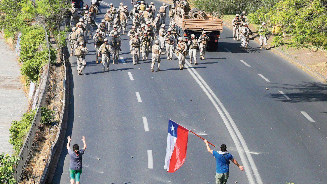 Ocho muertos en Chile y la advertencia de Piñera: Estamos en guerra