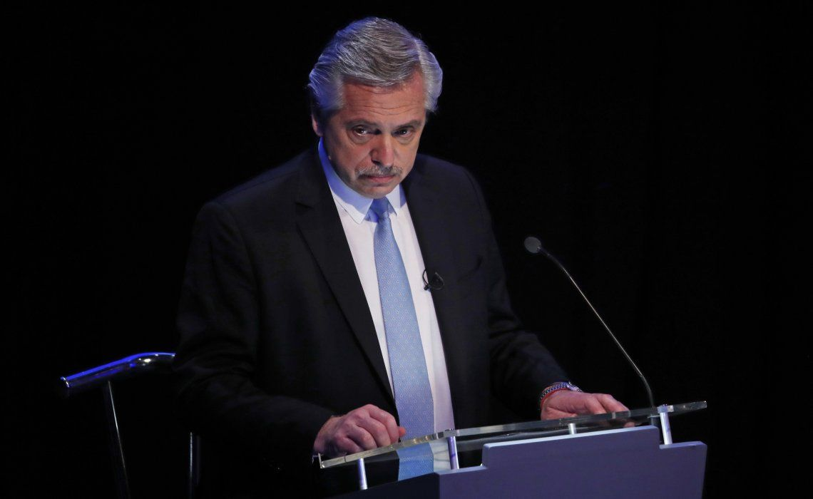 Fernández le retrucó a Macri con las presuntas irregularidades cometidas por su familia y su difunto padre.