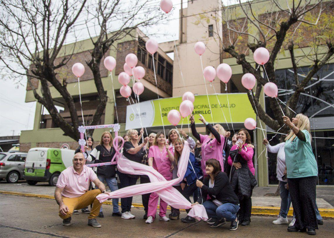 Quilmes: concientización sobre el cáncer de mama en el Ramón Carrillo