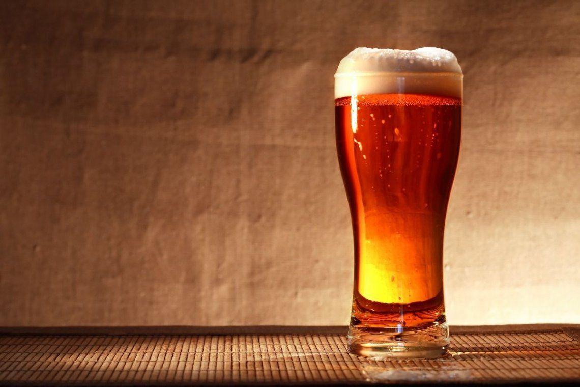 La ANMAT prohibió una cerveza y galletitas