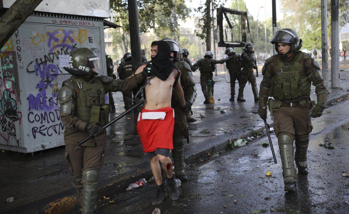 Las protestas en Chile dejaron al menos 15 víctimas fatales.
