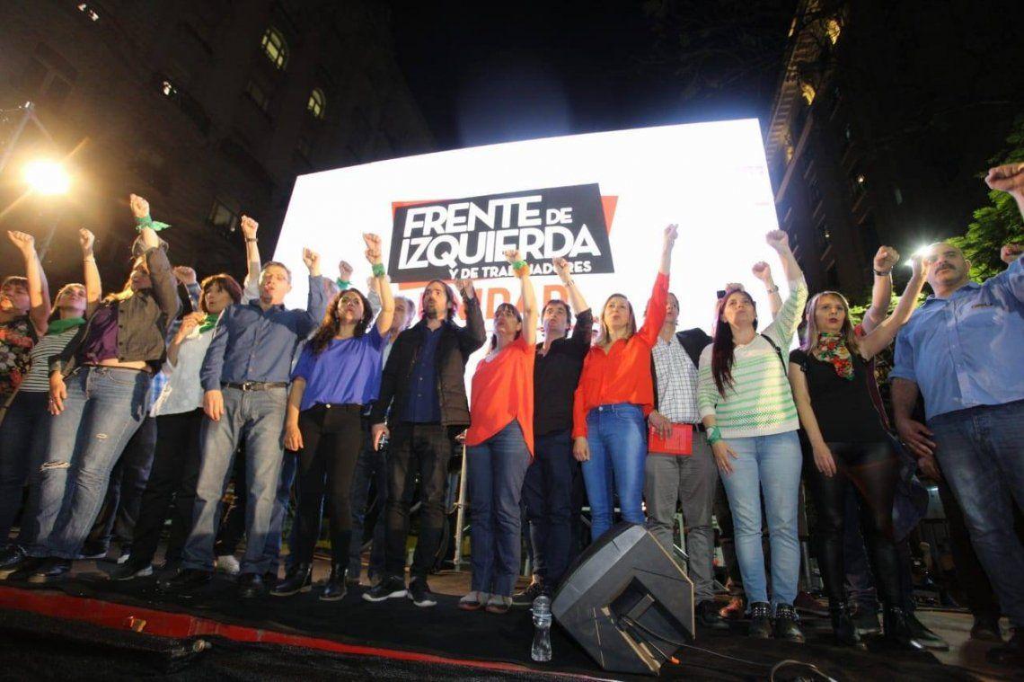 Elecciones 2019 | El Frente del Izquierda cerró su campaña frente al Consulado de Chile