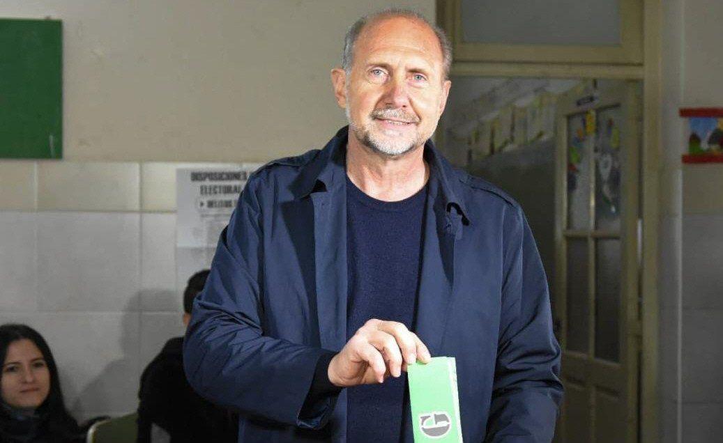 Omar Perotti fue electo gobernador en elecciones desdobladas de las nacionales.