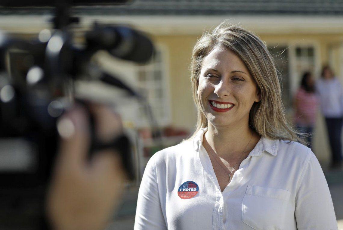 Estados Unidos: la congresista Katie Hill renunció tras verse envuelta en un escándalo sexual que incluye filtración de fotos hot