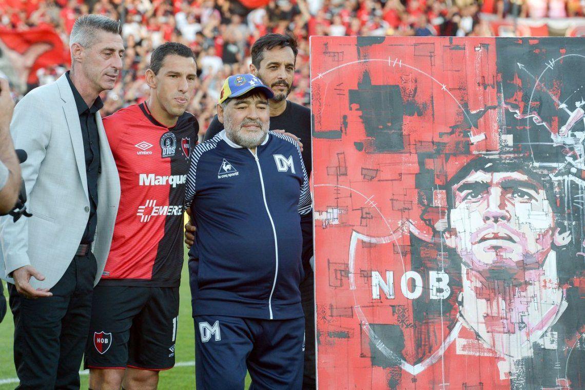 Diego Maradona se emocionó en su regreso al Coloso: Yo soy leproso, y a mi no me compra nadie