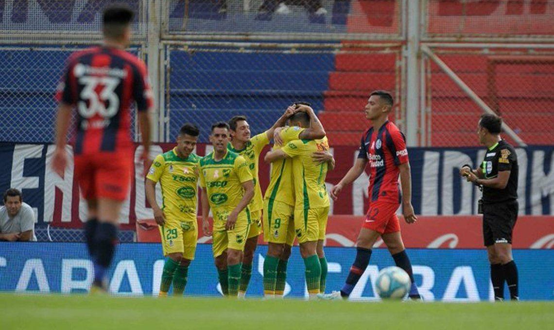 San Lorenzo - Defensa y Justicia por la Superliga: el Halcón se lo dio vuelta al Ciclón en el Nuevo Gasómetro y Pizzi quedó en la cuerda floja