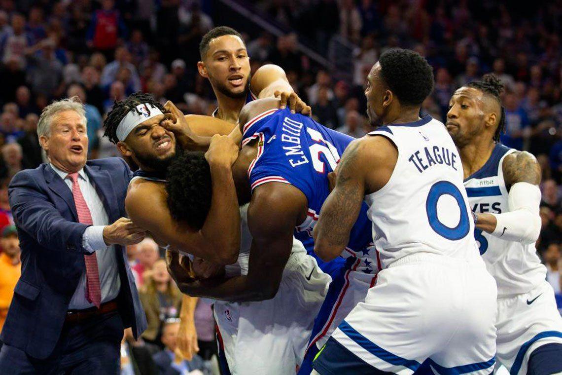 ¿NBA o lucha de catch? Terminaron a los golpes en Minnesota-Philadelphia