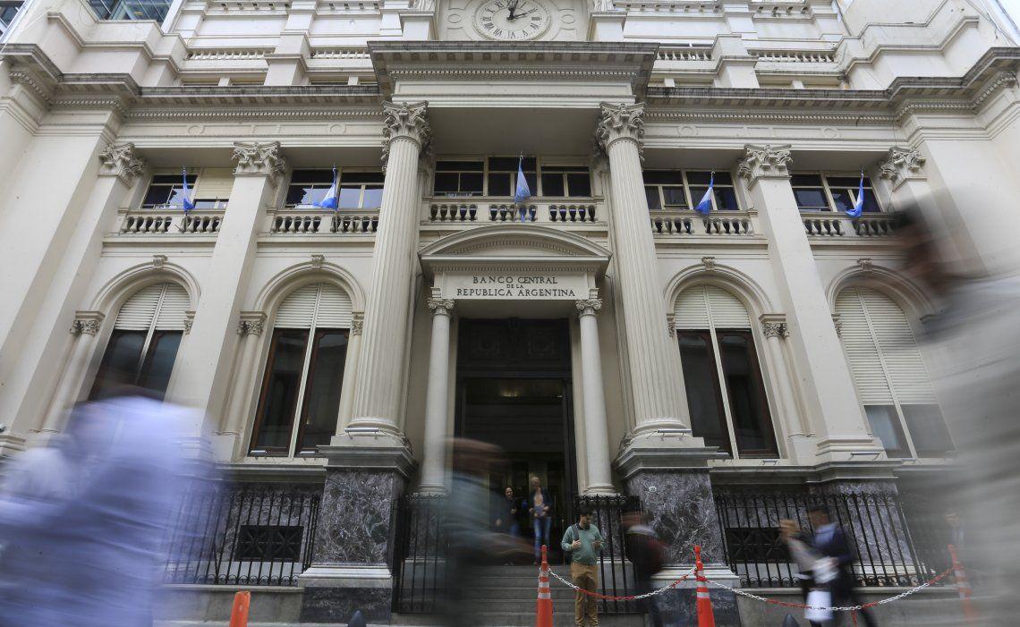 Las autoridades del Banco Central volvieron a endurecer las medidas del cepo cambiario.