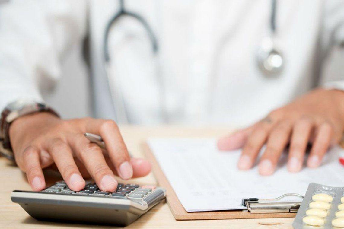 Tras los 8 aumentos autorizados durante 2019 el valor de la cuota de medicina prepaga acumuló una suba de 65