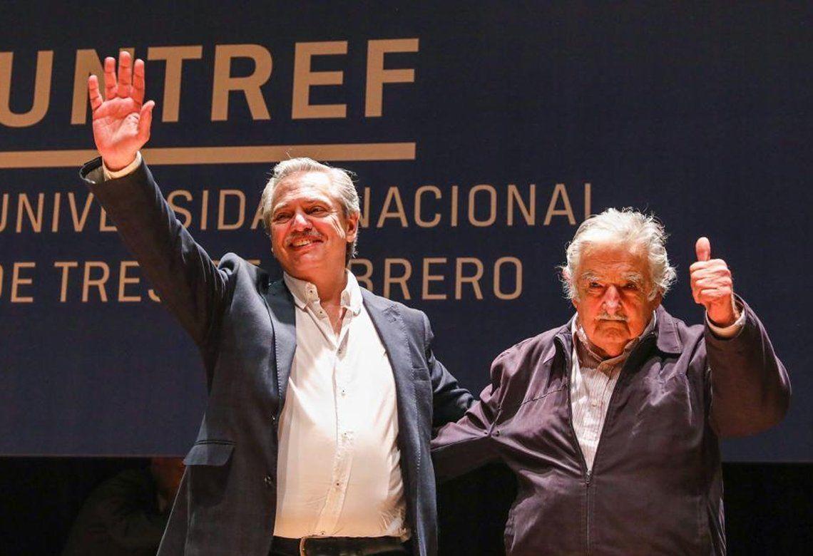 Alberto Fernández y Pepe Mujica compartieron una charla en la UNTREF