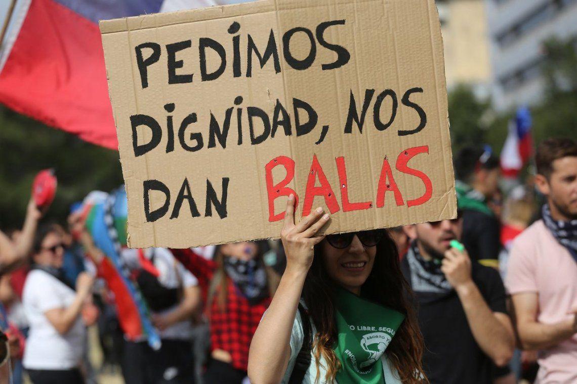 Chile vivió una nueva jornada de disturbios y de marchas multitudinarias