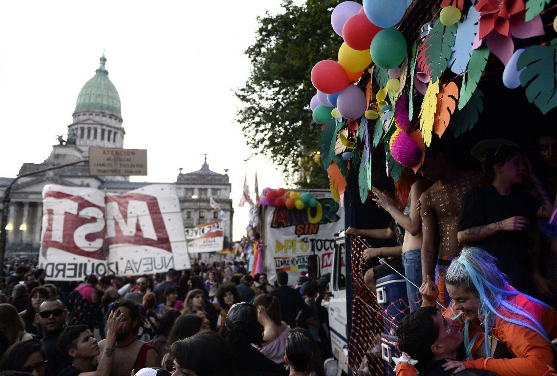 Miles participaron de la Marcha del Orgullo LGTBQ+