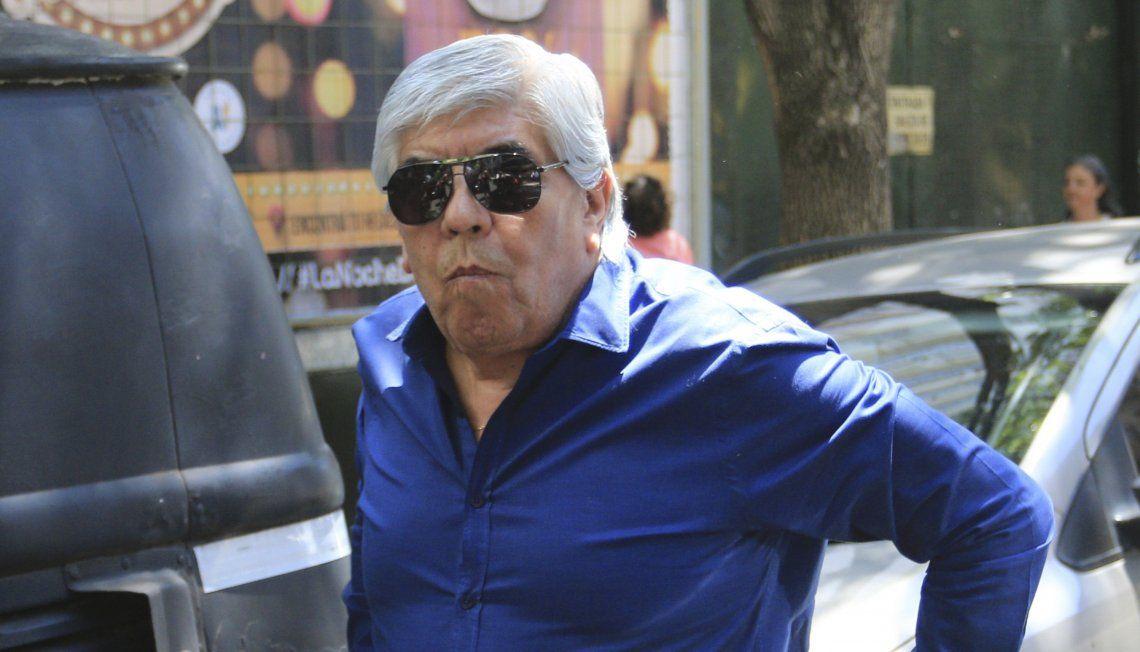Moyano observa con recelo la buena sintonía que existe entre Alberto y los grupos de los gordos e independientes.