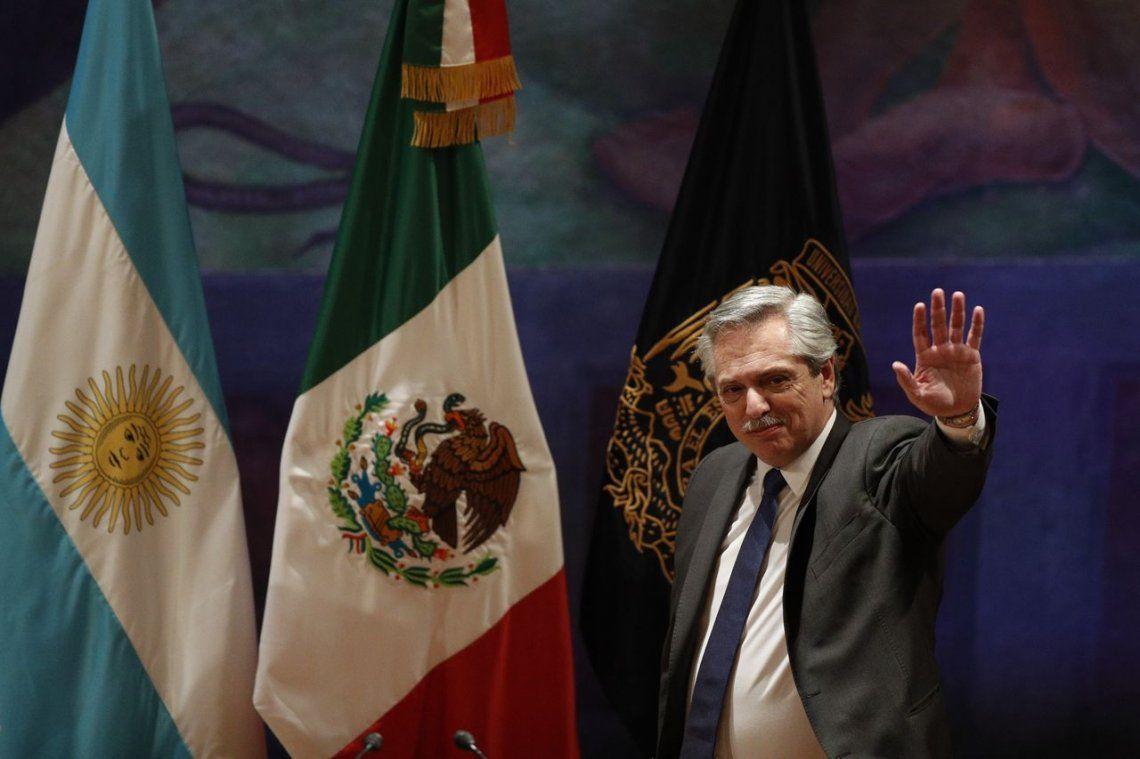 Alberto Fernández ofreció una conferencia magistral en México