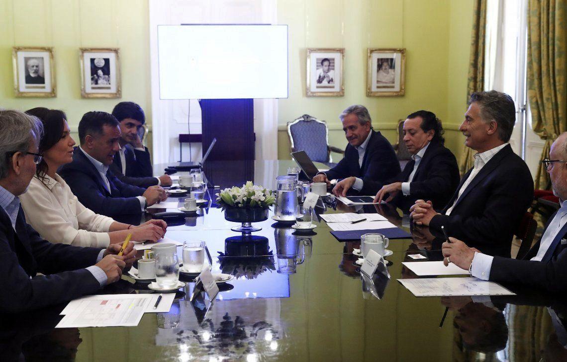 El jefe de Estado presidió una reunión de Gabinete con muchas ausencias.