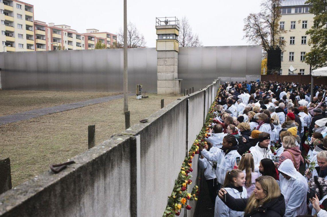 La Caída del Muro de Berlín: seis canciones para demoler paredes