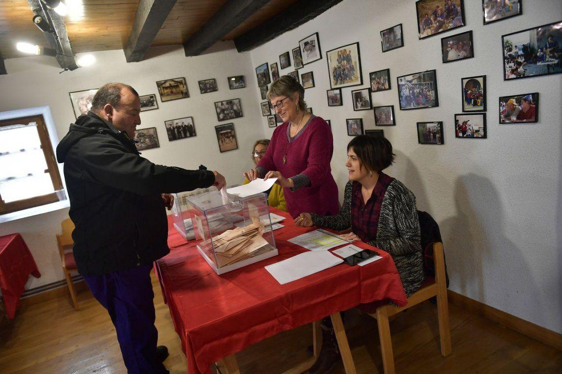 El PSOE ganó las elecciones, pero la derecha sumó más diputados