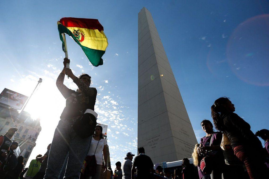 Golpe en Bolivia: organizaciones sociales marcharon al Obelisco para apoyar a Evo Morales