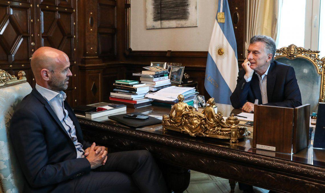 Mauricio Macri recibió en su despacho al ministro de Transporte