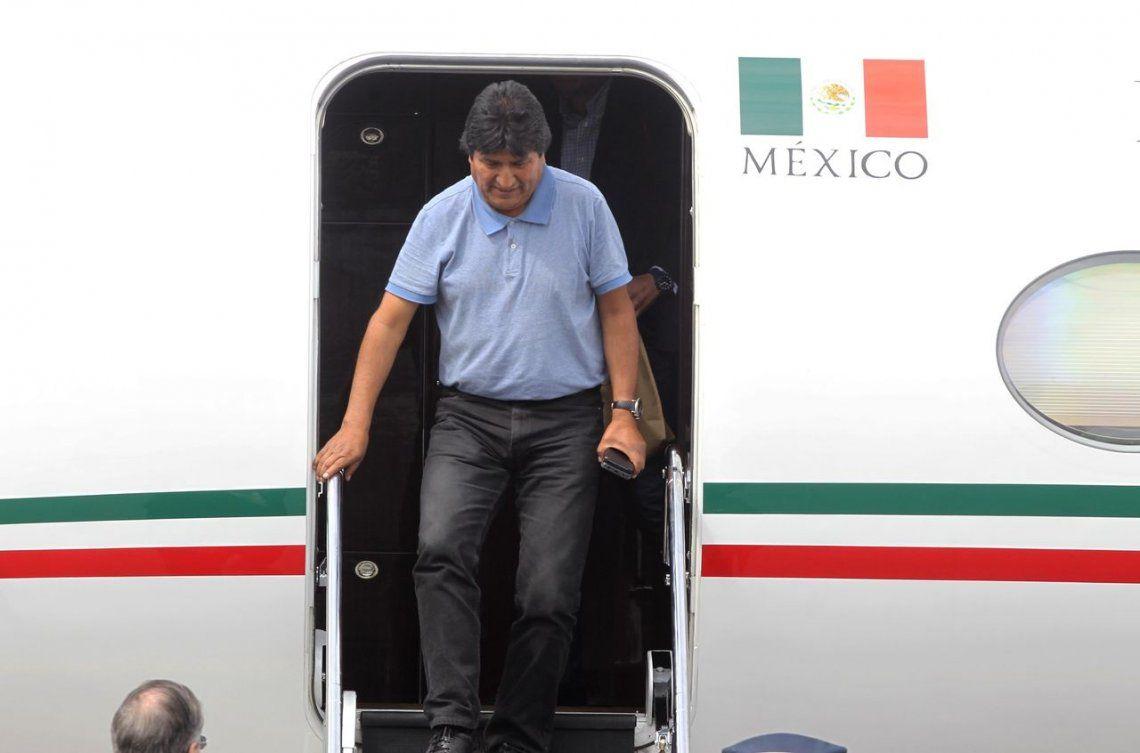 Evo Morales llegó a México: Mientras tenga vida, seguimos en la lucha