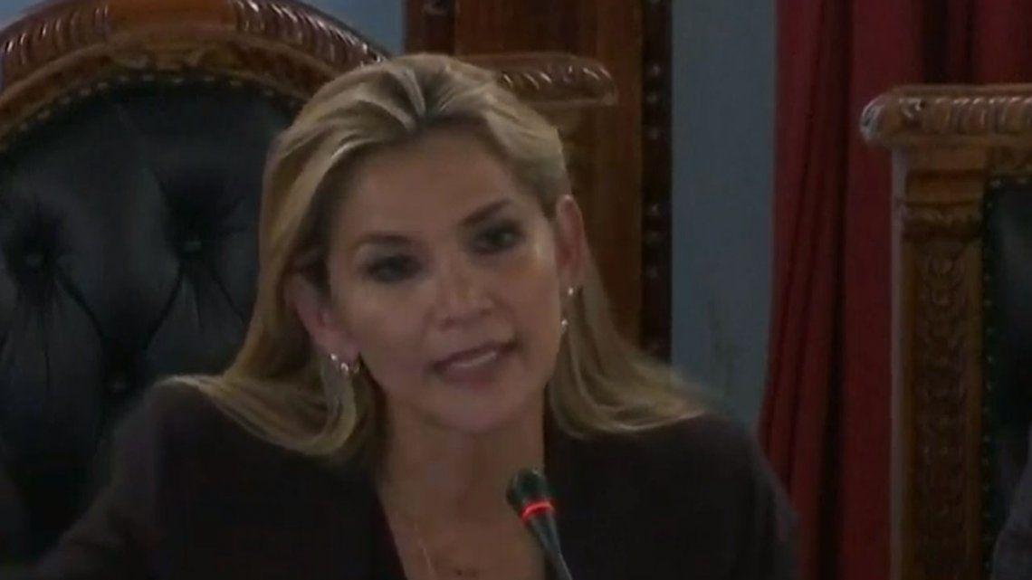 Jeanine Áñez se autoproclamó presidenta de Bolivia: Asumo de inmediato la presidencia