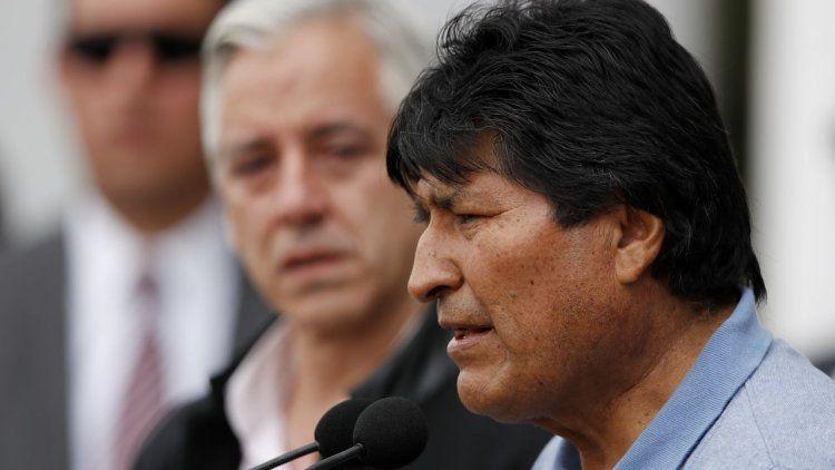 Desde México, Evo Morales llamó a sus opositores a deponer las armas