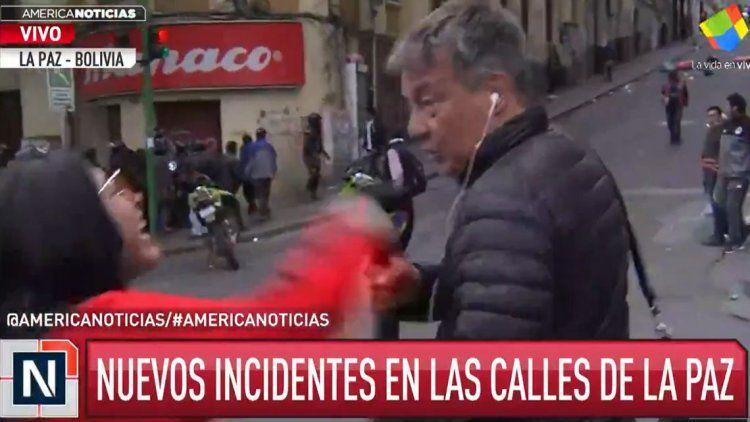 Rolando Graña y un camarógrafo fueron agredidos en La Paz