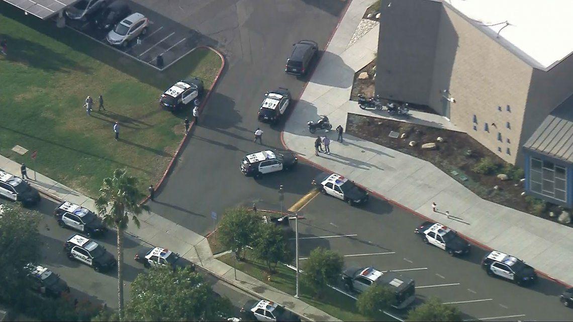 Los Ángeles: dos muertos y seis heridos en un tiroteo en una escuela
