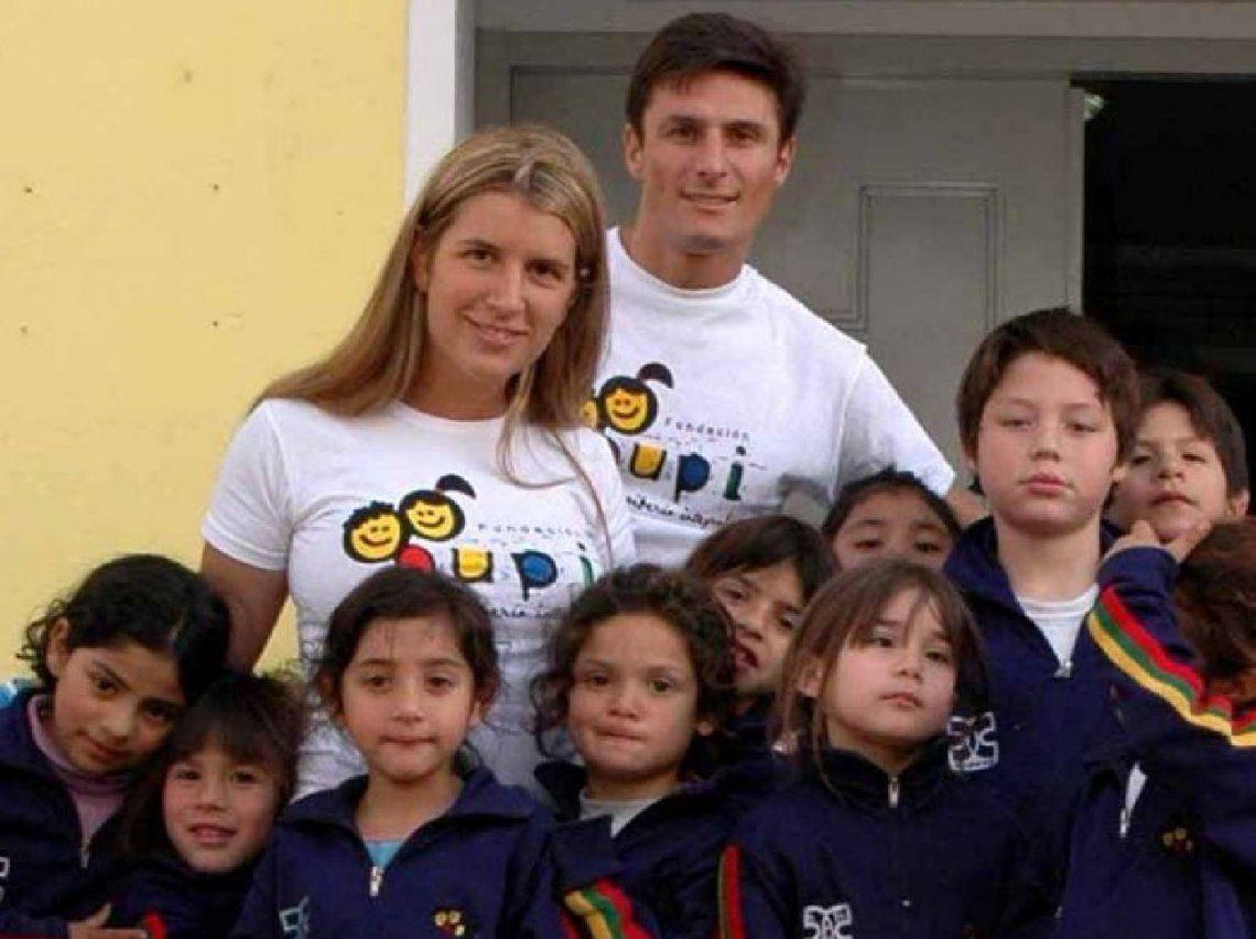 Lanús: feria de la Fundación PUPI por Los Derechos de los Niños en el Parque Eva Perón