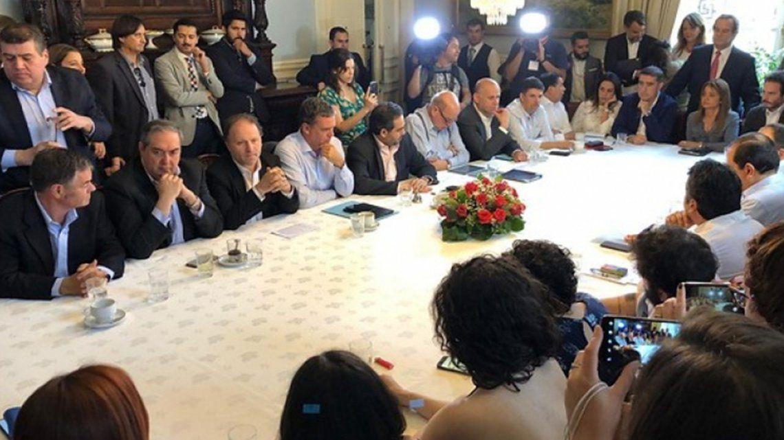 Chile en crisis: el Gobierno de Sebastián Piñera y la oposición negocian la redacción de una nueva Constitución