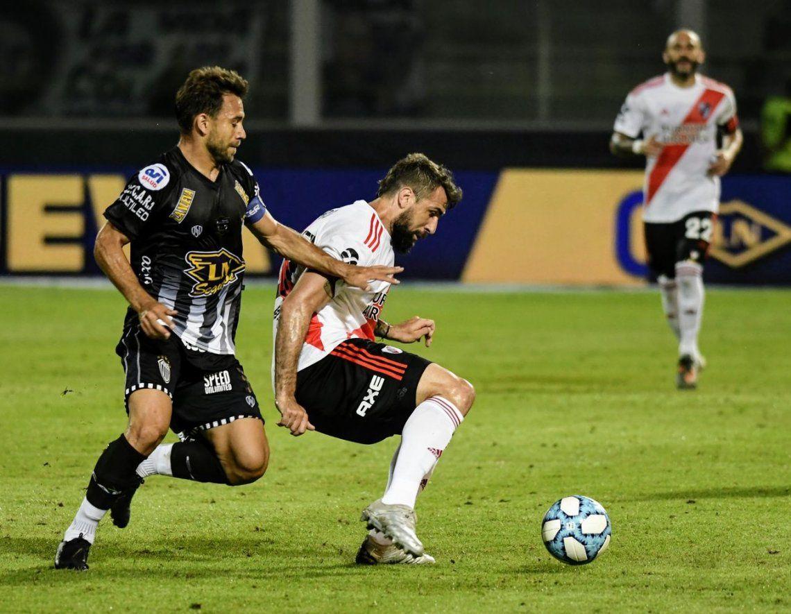 Con goles de Pinola y Palacios, River le ganó a Estudiantes de Buenos Aires y jugará la final de la Copa Argentina ante Central Córdoba de Santiago del Estero