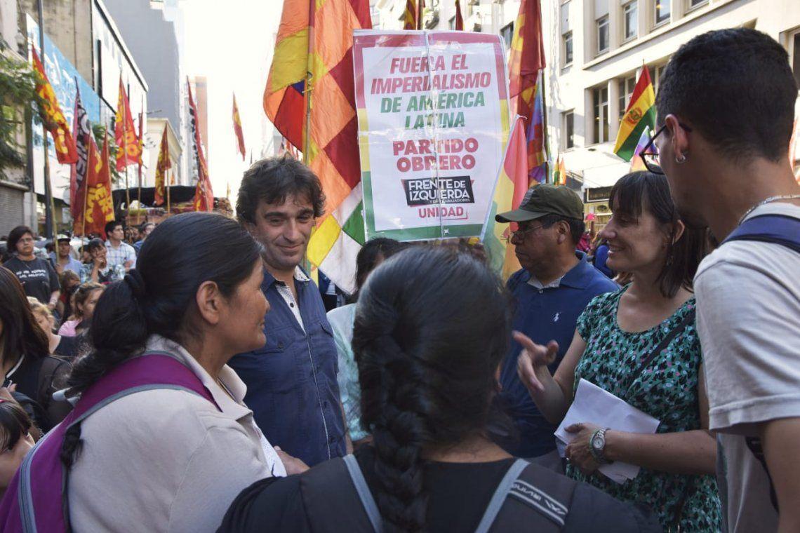 Golpe en Bolivia: el Partido Obrero realizó un acto frente a la Embajada