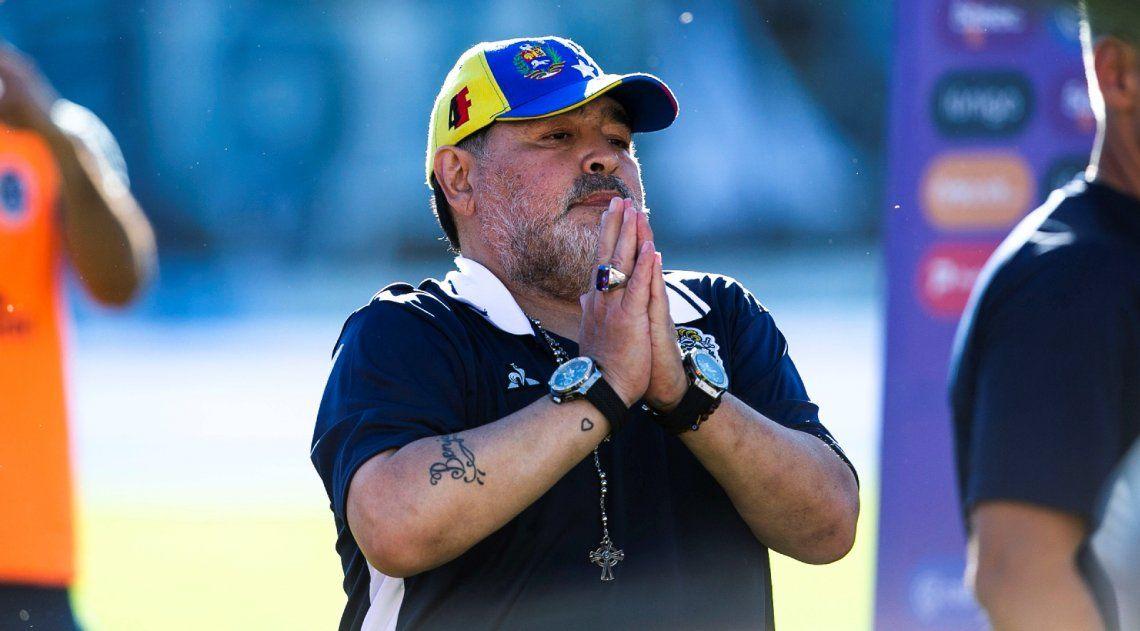 Elecciones en Boca | Maradona, lapidario contra Riquelme: Un ídolo no puede venderse al mejor postor