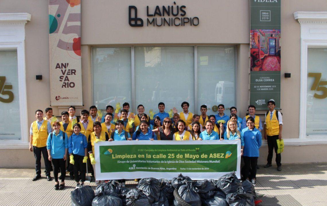 Lanús: voluntarios de la organización ASEZ para cuidar ambiente
