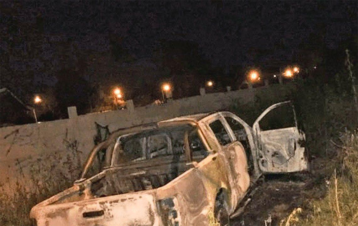 Sospechan que la víctima fatal es el dueño del vehículo.