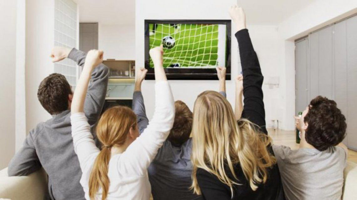 La Superliga salió a buscar pantalla en los cinco continentes