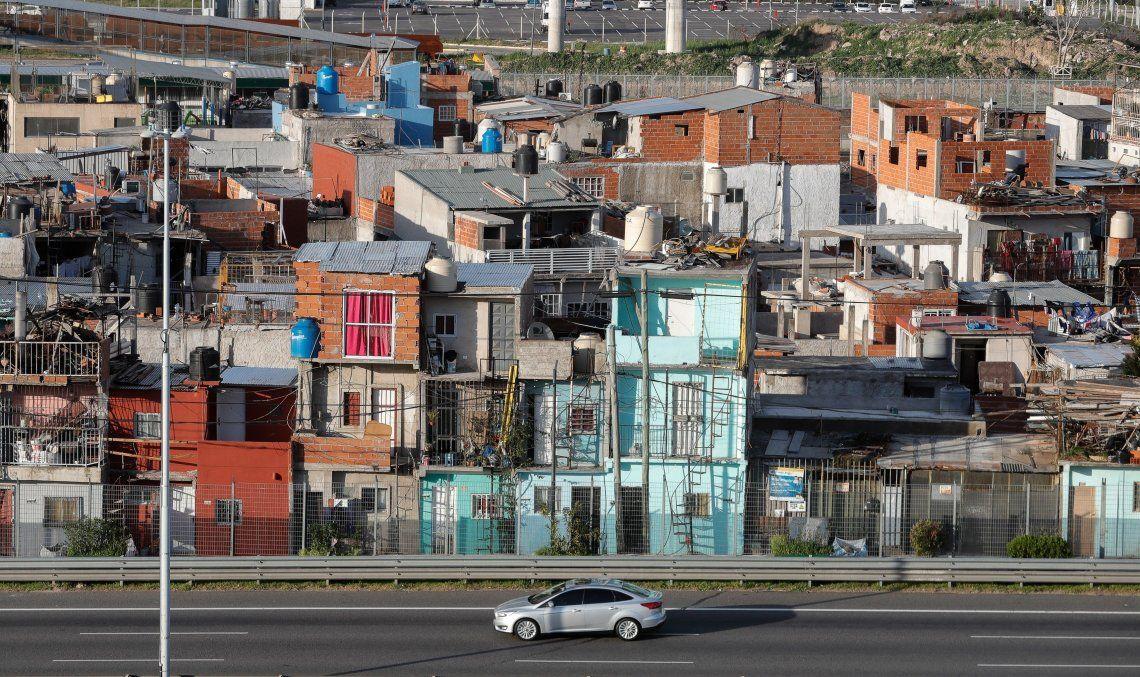 Diez heridos por un incendio en el Barrio 31 de Retiro: denuncian falta de agua